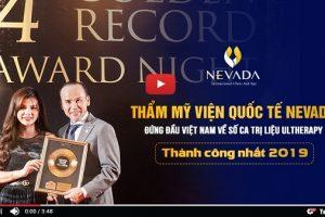 Giám đốc Merz chúc mừng TMV Quốc tế Nevada đã nhận được 2 giải thưởng lớn về CN Ultherapy